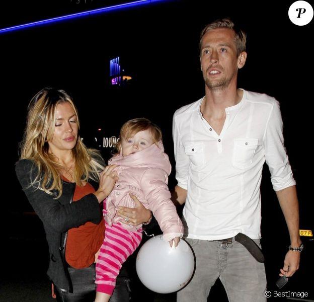 Peter Crouch, sa femme Abbey et sa fille Sophia Ruby, le 5 octobre à Manchester.