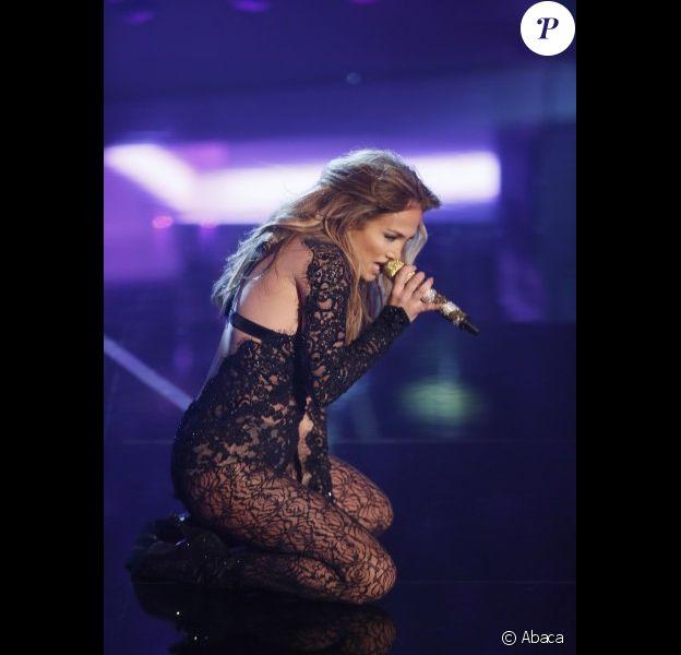 Jennifer Lopez sur le plateau de l'émission Wetten Dass, à Dusseldorf, en Allemagne, le samedi 6 octobre 2012.