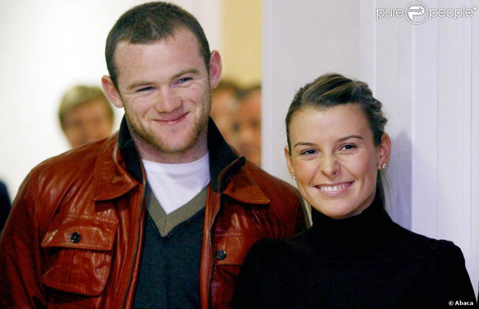 Wayne Rooney et son épouse Coleen le 4 décembre 2006 lors d'une visite dans un hôpital de Liverpool