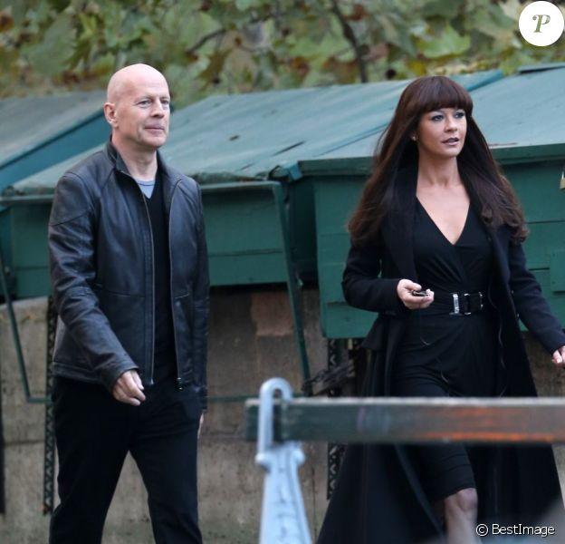 Bruce Willis et Catherine Zeta-Jones sur le tournage Red 2 à Paris le 11 octobre 2012