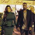 Kim Kardashian et Kanye West quittent le restaurant Dal Bolognese où ils dinaient en amoureux. Rome, le 18 octobre 2012.