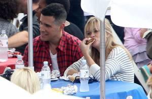 Reese Witherspoon décomplexée : la jeune maman a un sacré coup de fourchette