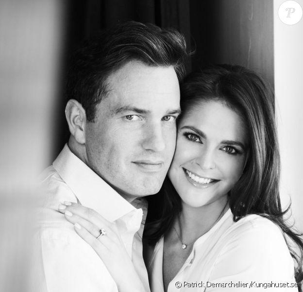 La princesse Madeleine de Suède et Christopher O'Neill par Patrick Demarchelier : leurs fiançailles ont été annoncées par la Maison royale de Suède le 25 octobre 2012.