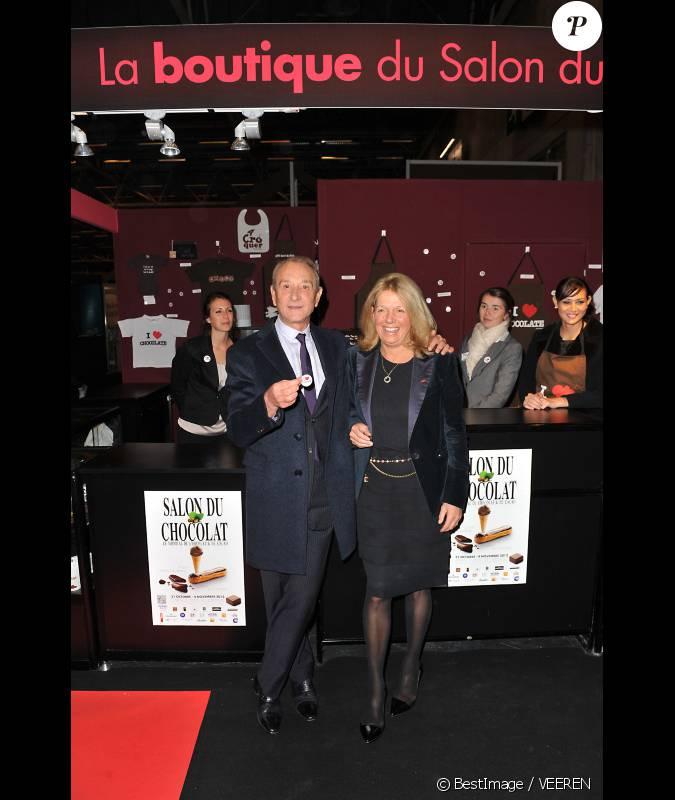 Bertrand delano lors du d fil qui lance le salon du for Salon du divorce