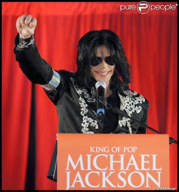 Michael Jackson durante o anúncio de uma série de concertos em Londres em 5 de Março de 2009 na Arena O2, em Londres