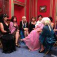 Exclusif : Les prétendantes attendent dans le salon du château de rencontrer Frédéric et Chantal