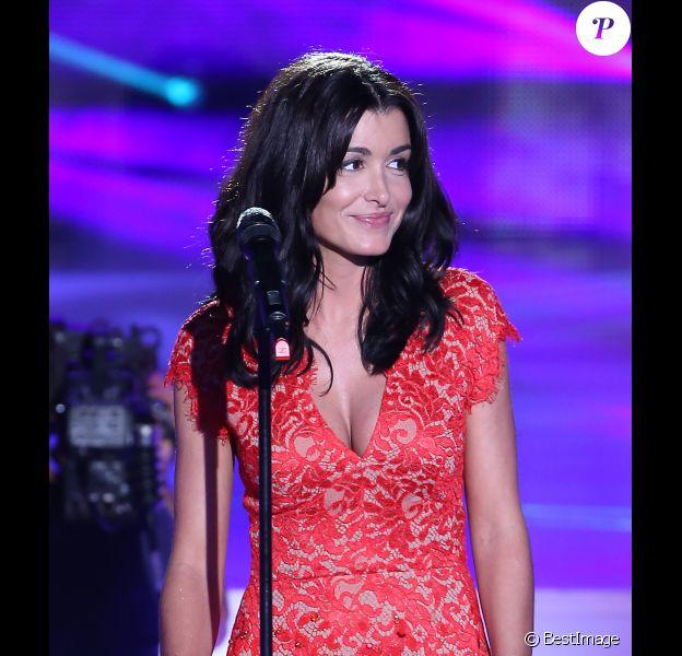 "Jenifer durant l'enregistrement de ""Champs Elysées"", le 19 octobre 2012."