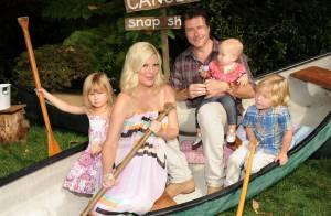 Tori Spelling : Maman en pleine santé, elle présente son bébé, Finn !