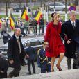 Le prince Philippe et la princesse Mathilde de Belgique sur le parvis de la cathédrale des Saints Michel et Gudule, à Bruxelles, le 15 novembre 2012 pour le Te Deum à l'occasion de la Fête du Roi.