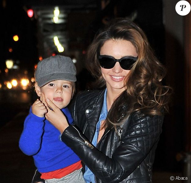 Miranda Kerr et son fils Flynn à New York, le 16 novembre 2012.
