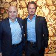 Sean Penn et Ali Rahimi à la réception organisée par l'acteur pour son organisation  J/P Haitian Relief Organization , à Vienne le 18 novembre 2012.