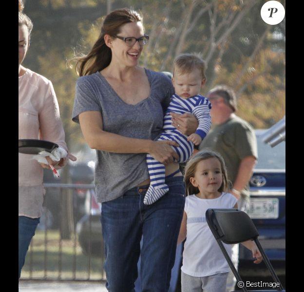 Jennifer Garner avec ses enfants Samuel et Seraphina sur le tournage du film The Dallas Buyer's Club à la Nouvelle-Orleans, le 20 novembre 2012.