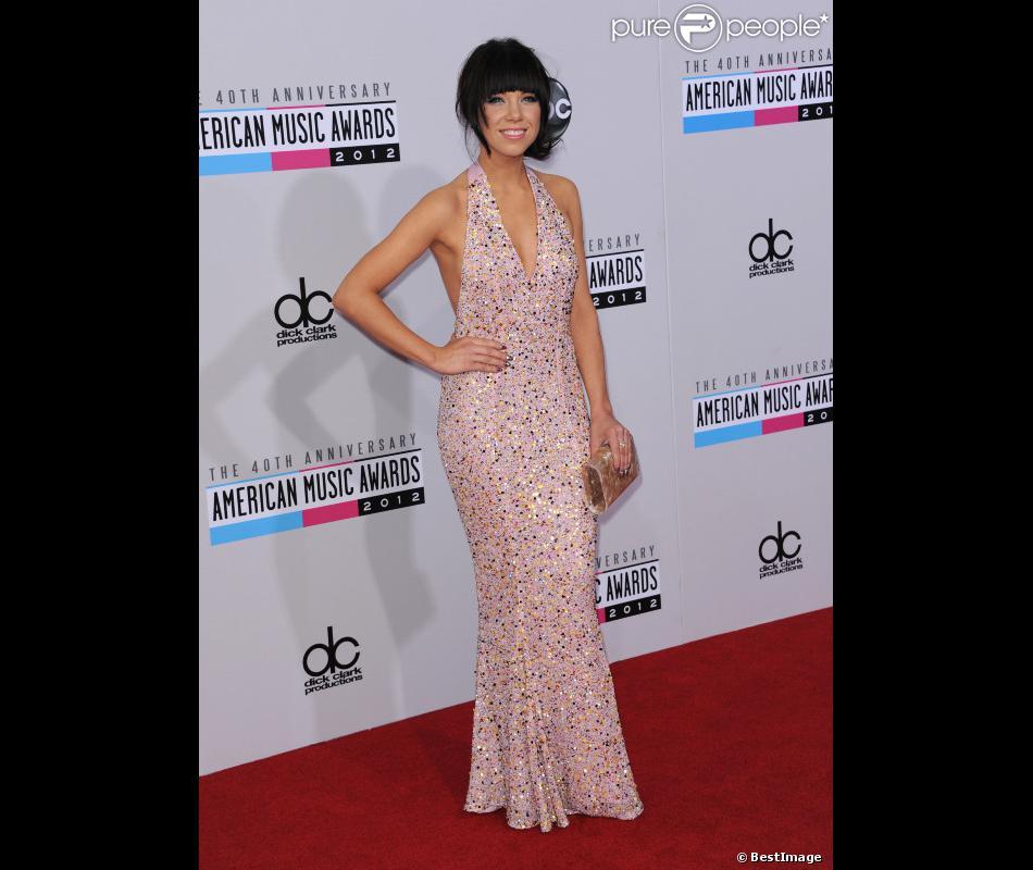Carly Rae Jepsen prend la pose aux 40e American Music Awards à Los Angeles le 18 novembre 2012.
