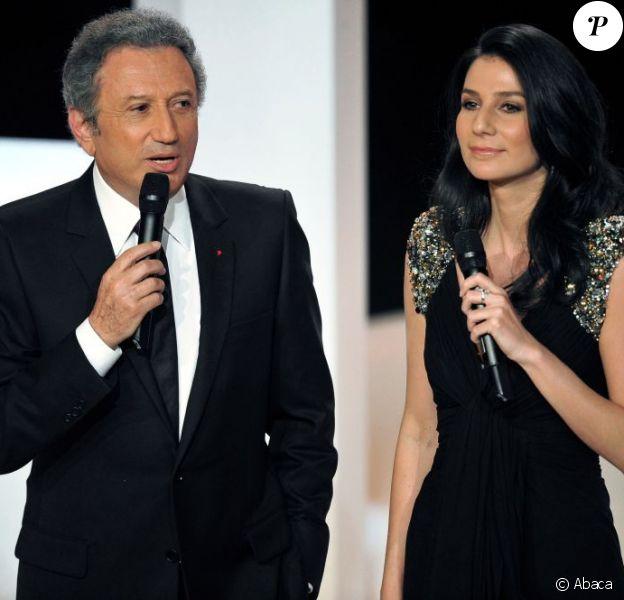 Michel Drucker et Marie Drucker présentent la 24e cérémonie des Molières sur France 2 le 25 avril 2010.
