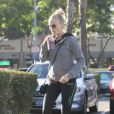 Malin Akerman se promène à Los Angeles le 22 novembre 2012.