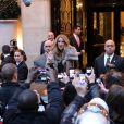 Céline Dion quitte l'hôtel du George V pour se rendre sur le plateau de C à vous sur France 5, le 28 novembre 2012.