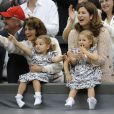Mirka Federer et les jumelles Myla et Charlene en juillet 2012 à Wimbledon.