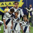 David Beckham, comblé, a pu célébrer avec ses fils Brooklyn, Cruz et Romeo son deuxième titre consécutif de champion de la MLS avec le Los Angeles Galaxy, grâce à la victoire sur le Dynamo Houston lors de la finale jouée le 1er décembre 2012 au Home Depot Center, et faire ses adieux en apothéose au club américain.