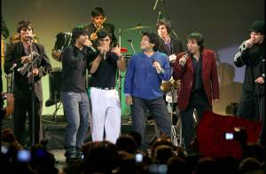 PHOTOS : Diego Maradona chanteur devant un public en délire !
