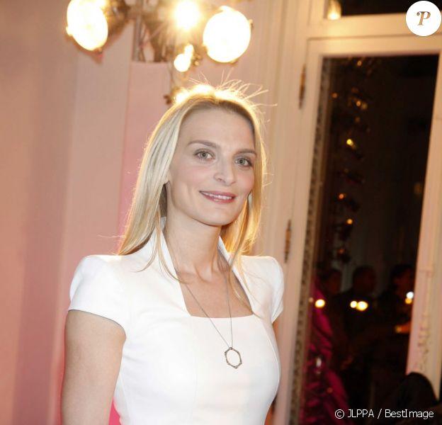 Sarah Marshall à la 17ème édition des Sapins de Noël des Créateurs à l'hôtel Salomon de Rothschild à Paris le 3 décembre 2012.