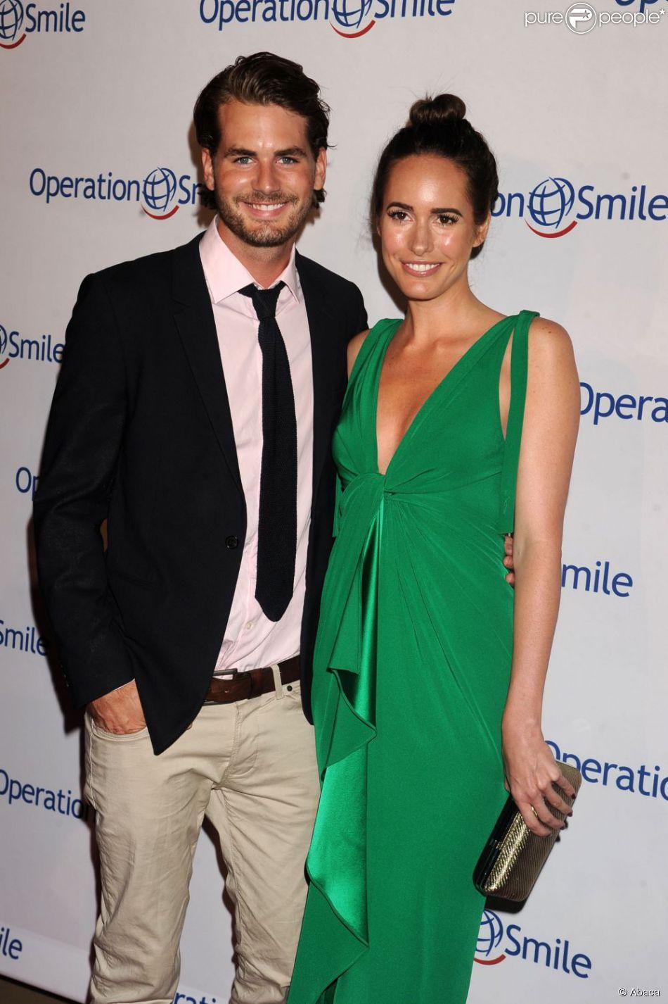 Louise Roe et Josh Slack en septembre 2012 à Beverly Hills. Le couple s'est fiancé en fin d'année.