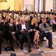 Michele Barzach, Alain Delon, Lara Fabian et Bernard Montiel à Paris le 3 décembre 2012 lors de la vente aux enchères des Frimousses de créateurs au profit de l'UNICEF au Petit Palais