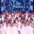 Premier défilé des 33 prétendantes au titre de Miss Fance 2013 lors de l'élection de Miss France 2013 le samedi 8 décembre 2012 sur TF1 en direct de Limoges