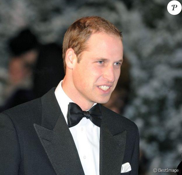 Le prince William lors d'une soirée organisée au Royal Albert Hall de Londres en faveur du réseau de charité Centerpoint qui s'occupe des jeunes sans domicille fixe le 8 décembre 2012