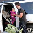 Katherine Heigl a fait du shopping avec son mari Josh Kelley et sa fille Adalaide à Los Feliz, Los Angeles, le 24 novembre 2012.