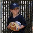 Kevin Federline et Britney Spears, ont encouragé leur fils aîné Sean Preston lors d'un match de baseball à Los Angeles, le 10 avril 2011.