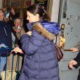Katie Holmes quitte le Music Box Theater de New York pour rejoindre Suri et sa famille le 23 décembre 2012, afin de passer Noël.