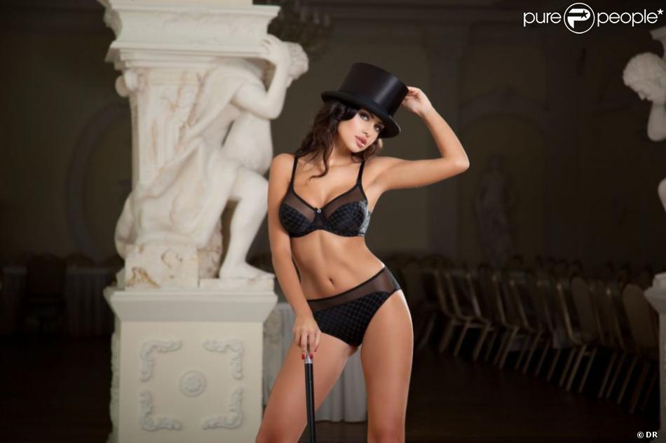 Natalia Siwiec sur son 31 pour la marque de lingerie Alles, 2012.