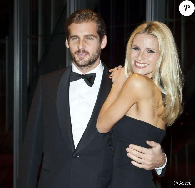 Michelle Hunziker et Tomaso Trussardi le 5 novembre 2012 en Suisse. Le couple vient d'annoncer leurs fiançailles.