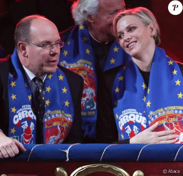Albert et Charlene de Monaco, très complices au 37e Festival International du Cirque de Monte-Carlo le 17 janvier 2013.