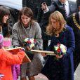 Les princesses Beatrice et Eugenie d'York à l'Hôtel de Ville de Hanovre, le 18 janvier 2013 dans le cadre de leur visite officielle de deux jours pour soutenir la campagne promotionnelle en faveur de la Grande-Bretagne, GREAT.