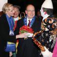 Le prince Albert II de Monaco et la princesse Charlene lors du gala de remise des prix au 37e Festival international du cirque de Monte-Carlo, le 22 janvier 2013 au chapiteau Fontvieille.