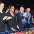 Pauline Ducruet, sa mère la princesse Stéphanie de Monaco, le prince Albert et la princesse Charlene au gala de remise des prix au 37e Festival international du cirque de Monte-Carlo, le 22 janvier 2013 au chapiteau Fontvieille.
