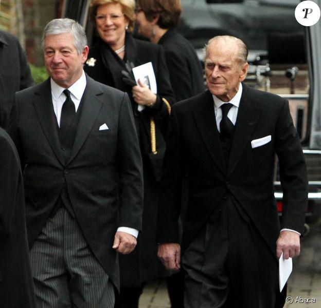 Le prince Philip, duc d'Edimbourg avec le prince héritier Alexander II Karadjordjevic de Yougoslavie aux obsèques de sa nièce la princesse Margarita de Baden le 24 janvier 2013 en l'église orthodoxe de Serbie de l'ouest de Londres. La princesse est décédée le 15 janvier 2013 à 80 ans, dans le Surrey, des suites d'une longue maladie.