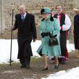 La reine Elizabeth II et son mari le duc d'Edimbourg bravaient la neige, le dimanche 20 janvier 2013, pour assister à la messe en l'église Ste Marie Madeleine de Sandringham.