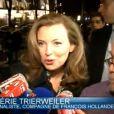 Reportage de BFMTV sur le rassemblement pour le mariage pour tous au Théâtre du Rond-Point à Paris, le 27 janvier 2013.
