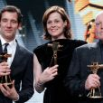 Clive Owen, Sigourney Weaver et Joe Cocker lors des Golden Camera Awards (Goldene Kamera Awards) à Berlin le 2 février 2013