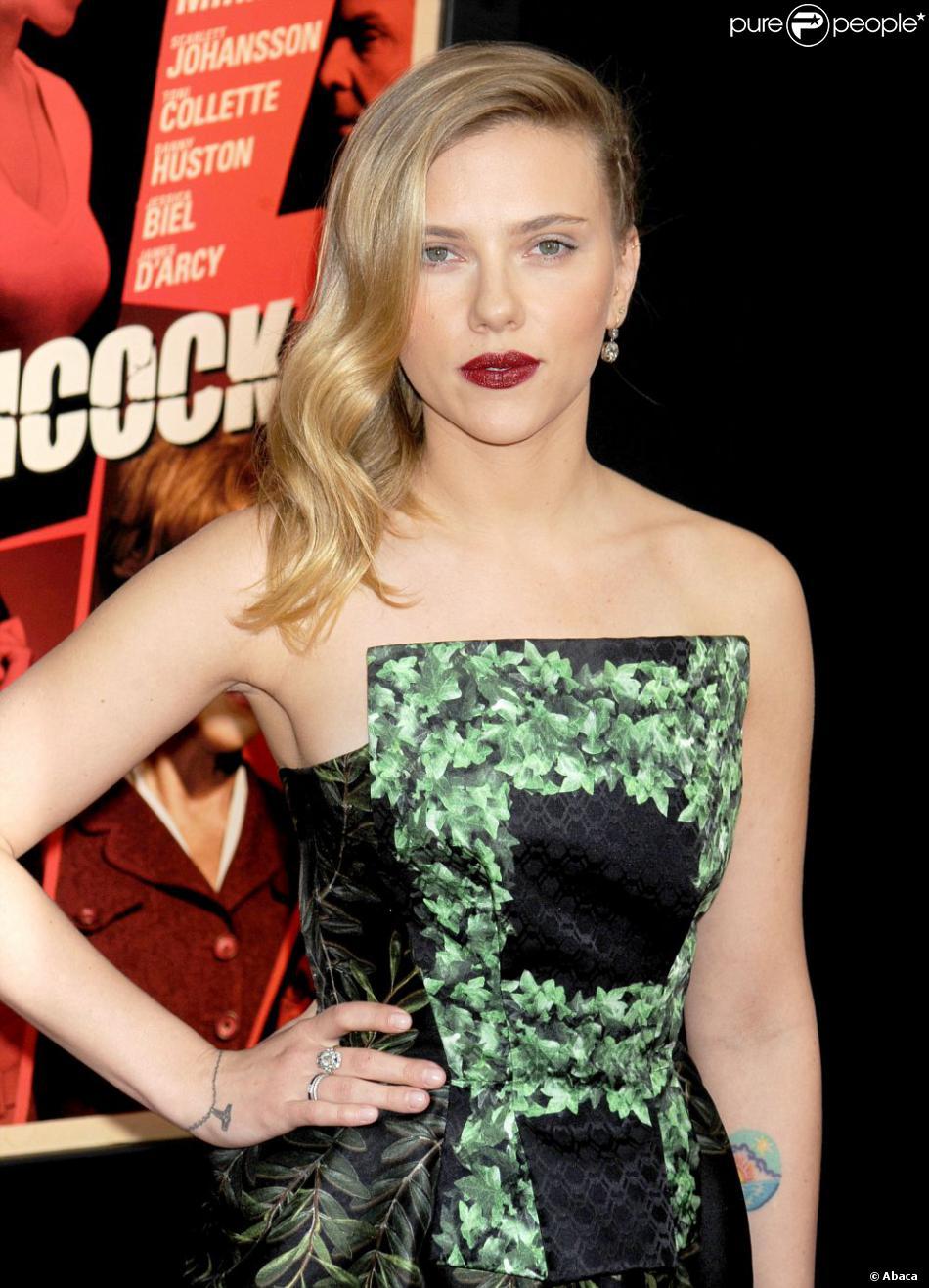 Scarlett Johansson le 18 november 2012 lors de la première du film Hitchcock à New York