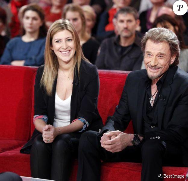 Exclusif : Johnny Hallyday et Amanda Sthers pour la promotion de l'autobiographie du Taulier 'Dans mes yeux' sur le canapé rouge de Michel Drucker. Diffusion le 17 février 2013 sur France 2.
