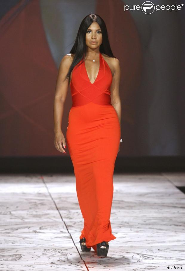 toni braxton participe au d233fil233 red dress collection 2013