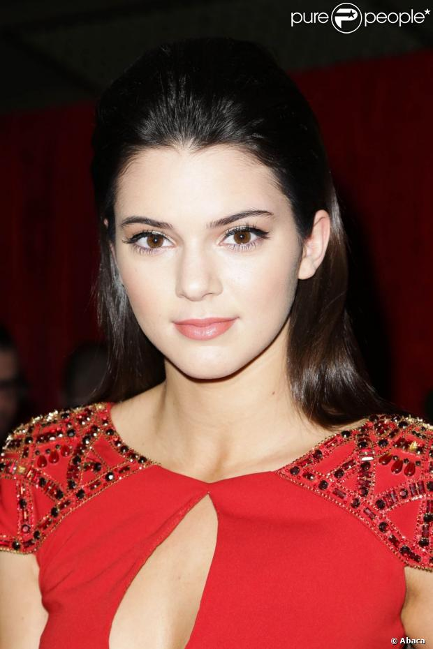 Kendall Jenner, 17 ans, participe au défilé Red Dress Collection 2013 de la National Institutes of Health et de son programme The Hearth Truth au Hammerstein Ballroom. New York, le 6 février 2013.
