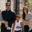 Brad Pitt, Angelina Jolie, et leurs enfants à la Nouvelle-Orléans le 20 mars 2011