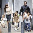 Brad Pitt et Angelina Jolie et leur petite tribu au complet à La Nouvelle-Orléans, le 20 mars 2011.