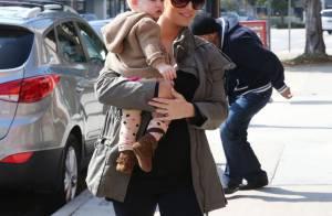 Jessica Simpson, enceinte et ravissante : Virée avec son adorable Maxwell