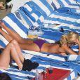 Katherine Jenkins au bord de la piscine de son hôtel, en vacances à Miami le 7 février 2013.
