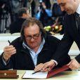 Gérard Depardieu s'enregistrait officiellement comme résident de Mordovie au Théâtre national de Saransk, le 23 février 2013. L'acteur s'est enregistré au 1, rue de la Démocratie (Demokraticheskaïa), ce qui correspond à l'adresse de membres de la famille de son ami Nikolaï Borodatchev, directeur du Fonds d'archives cinématographiques russes.